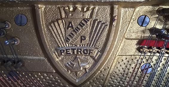 Petrof4